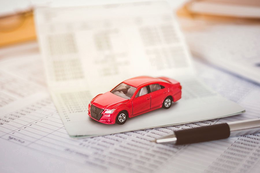 Scopri come calcolare l'importo del bollo auto e del superbollo